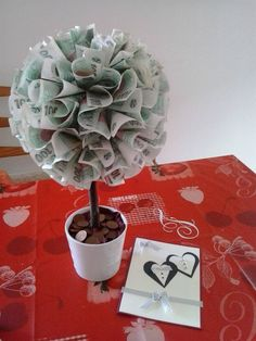 Moje Money Bouquet, Creative Money Gifts, Holidays And Events, Birthday Gifts, Christmas Cards, Tableware, How To Make, Handmade, Diy