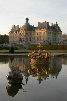 Chateau Vaux-le-Vicomte, (from Romantic French Chateau, on Facebook)