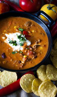 Bowl of Chili con carne soup