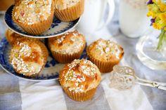 Rabarberbullar i all Hast! Muffins, Fika, Mini Cupcakes, Sweet Treats, Mango, Food And Drink, Favorite Recipes, Sweets, Baking