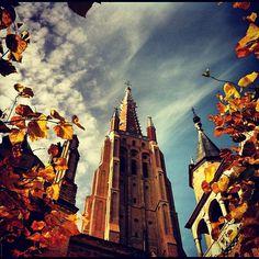 Culturele hoofdstad van Europa in 2002 Fantastisch Brugge krijgt bezoek uit alle delen van de wereld #belgium #brugge #beautiful #love #cute - @marcel_tettero- #webstagram