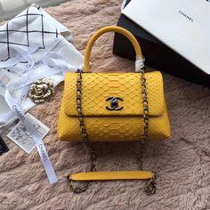 2018 Chanel Handbags and Purses #chanelhandbags