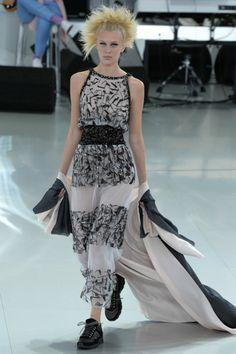 Foto CCL2014 - Chanel Couture Lente 2014 (1) - Shows - Fashion - VOGUE Nederland