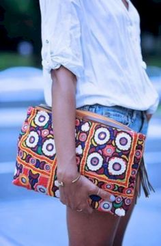 awesome 34 Accessorize your Outfit With DIY Embroidered http://attirepin.com/2017/11/18/34-accessorize-outfit-diy-embroidered/