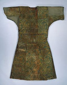 Caftan (Coat) Covered with Syrian Silk Showing Senmurvs (Fabulous Monsters)  Silk, fur; L. 140 cm  Early medieval culture of the Adygo-Alanian tribes. 9th century	 Moshchevaya Balka Burial Ground, North-western Caucasus, Karachayevo-Cherkessk Republic