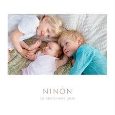 Le faire-part de naissance Élégant 1 photo porte bien son nom. Un format carré…