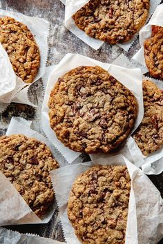 Salted Dark Chocolate Chip and Roasted Pecan Cookies-You are going to love this punched up riff on the classic chocolate chip cookies. There are 2 key ingredients that bumps up the flavor and guarantees a chewy cookie. Just Desserts, Delicious Desserts, Dessert Recipes, Yummy Food, Coconut Desserts, Cookie Desserts, Best Cookie Recipes, Sweet Recipes, Baking Recipes