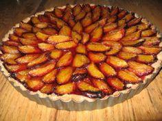 Tartă cu prune (Plum tart) >>> http://www.realitatea.net/reteta-zilei-tarta-cu-prune_976374.html