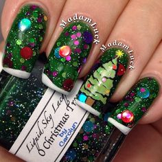 @April Cochran-Smith Cochran-Smith Gagnon I think we should do this on my tooties next week...lol christmas by madamluck #nail #nails #nailart