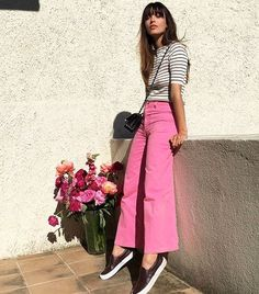 French Outfits: 10 Totally Parisian Outfits to Copy Now Pink Jeans Outfit, Pink Outfits, Classy Outfits, Cute Outfits, Pink Top Outfit, Striped Top Outfit, Denim Outfits, Colourful Outfits, Pants Outfit