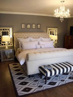 Cool 50 Beautiful Master Bedroom Makeover Design Ideas. More at https://50homedesign.com/2018/03/06/50-beautiful-master-bedroom-makeover-design-ideas/ #MasterBedrooms