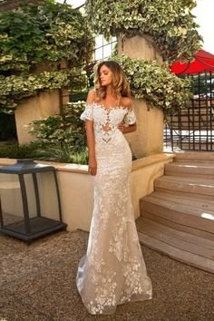 Best Couture Wedding Dresses and Bridal Boutique Shops in Chicago, Los Angeles, Las Vegas and New York Wedding Dresses 2018, Couture Wedding Gowns, Bridal Dresses, Dress Wedding, Vestidos Off White, Vestidos Plus Size, Dress Collection, Glamour, Lace Bride