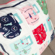 Carried Away Quilting pillows for the Pixie Noel blog tour with Tasha Noel and Riley Blake Designs. (Pattern: Cute Cups Cushion by Lori Holt.)