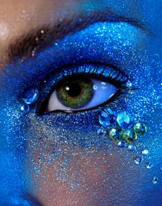 I love whimsical things, this looks like it could be mermaid-inspired makeup.