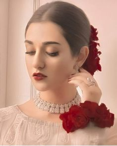 Stylish Dresses For Girls, Girls Dresses, Pakistani Party Wear, Beautiful Girl Photo, Party Wear Dresses, Girl Photos, Fashion Earrings, Evening Dresses, Classy