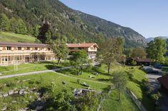 Herrlicher Blick auf die alte Tann vom Natur #Hotel Tannerhof nahe München in Bayrischzell und die #Berge der bayerischen Voralpen.  #Bayern #Reisen #Natur