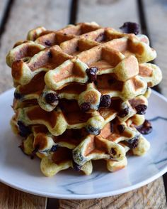 Need waffles with out having to really feel responsible? Need waffles with out having to really feel responsible? Waffles, Pancakes, Goody Recipe, Compote Recipe, Diabetic Desserts, Homemade Butter, Healthy Cake, Dessert Healthy, Warm Food