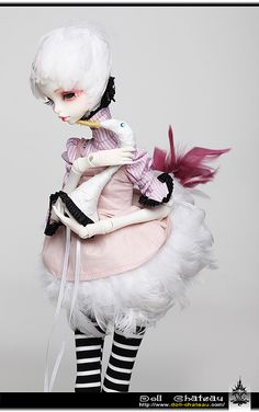 One of the most gorgeous dolls I have ever seen, from Doll Chateau