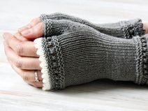 Knitting Patterns Mittens Very special gauntlets made of soft merino wool - a real eye-catcher. They are hand-knitted and . Knitting Stitches, Hand Knitting, Knitting Patterns, Crochet Patterns, Fingerless Gloves Knitted, Knit Mittens, Crochet Gloves Pattern, Knit Crochet, Bracelet Crochet