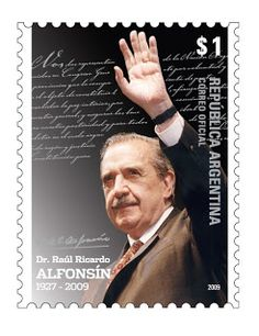 """El Dr. Raúl Alfonsín es considerado en Argentina como """"el padre de la nueva democracia""""; fue presidente constitucional entre 1983 y 1989"""