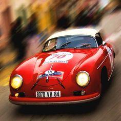 A red Porsche 356 Convertible, a dream on wheels Porsche Sports Car, New Sports Cars, Porsche Cars, Sport Cars, Porsche 356 Outlaw, Porsche 356 Speedster, Porsche 356a, Porsche Roadster, Porsche Carrera