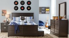 Are you looking to reinvent your son's bedroom with new furniture? Click hise to find cute boys' twin bedroom sets and othis furnishings at Rooms To Go Kids.#iSofa #roomstogo