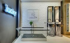 Modern Apartment Takes Openness To A Whole New Level