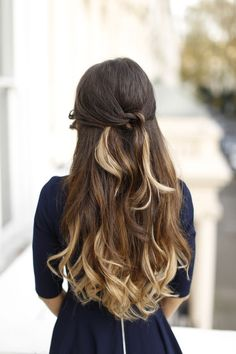 Ombre Blonde Luxy Hair Extensions in a beautiful twisted half updo on the super sweet @