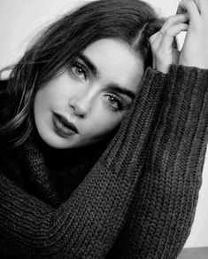 "flawlessbeautyqueens: "" Lily Collins for AT&T Portrait at the 2017 Sundance Film Festival. "" flawlessbeautyqueens: "" Lily Collins for AT&T Portrait at the 2017 Sundance Film Festival. Self Portrait Photography, Portrait Photography Poses, Photography Poses Women, Portrait Poses, Creative Photography, Photography Ideas, Black And White Photography Portraits, Indoor Photography, Teenage Girl Photography"