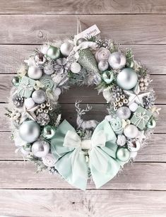 Light Mint Christmas Wreath Luxury Silver Holiday Gift Front Door Wreath Handmade Wall Decor Home D Rose Gold Christmas Decorations, Christmas Tree Themes, Christmas Colors, Christmas Fun, Xmas Decorations, Christmas Trends, Christmas Inspiration, Xmas Wreaths, Christmas Crafts