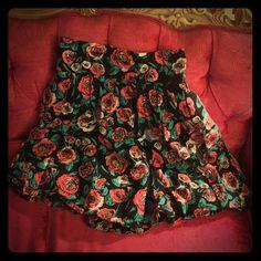 H&M High-Waisted Floral Print Circle Skirt H&M High-Waisted Floral Print Circle Skirt H&M Skirts Mini