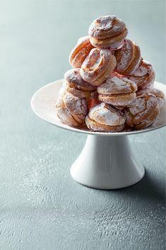 Ce petit biscuit au goût légèrement amer nous vient d'Italie. Confectionné avec des écorces d'orange confites, il met…