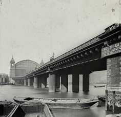 Cannon St Railway Bridge, c. 1910. Designed by John Hawkshaw and John Wolfe-Barry for the South Eastern Railway in 1866.