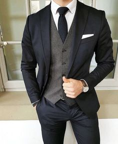 Wedding Suits Dark suit and tie with grey vest Mode Man, Mode Costume, Mode Masculine, Mens Fashion Suits, Mens Suits Style, Men's Fashion, Fashion Guide, Cheap Fashion, Fashion Rings