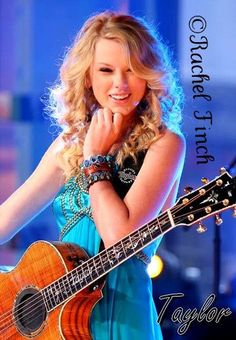 Taylor Swift at one of her concerts smiling away happily! ツ    Haii  this is Taylor Swift Shake it off  with the totally different Version of Taylor Swift version