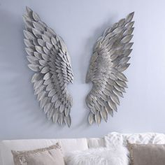 Bring a graceful addition into your home with our Brushed Gold Angel Wing Plaques. Featuring a brushed gold finish, they'll complement any wall or space. Angel Wings Wall Decor, Gold Angel Wings, Angel Decor, Angel Art, Casa Disney, Diy Angels, Cardboard Painting, Wing Wall, Unique Wall Decor