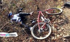 Caduta su letto di spine! » Rider: Giuliana Casalone - Photo: Luca - #ilovegirlriders #iamagirlrider #ilgr #girlriders #mtb #bmx #downhill #ciclocross #freeride #road #cycling #cyclingwomen #womenscycling