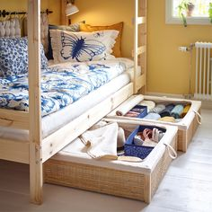 Getting big ideas into a small, shared bedrooms - IKEA Small Boys Bedrooms, Small Shared Bedroom, Boy And Girl Shared Room, Shared Boys Rooms, Shared Bedrooms, Small Childrens Bedroom Ideas, Boy Girl Room, Ikea Girls Room, Ikea Kids Bedroom