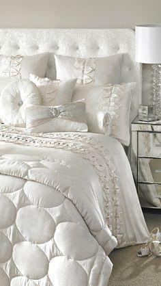 Bedroom Bed, White Bedroom, Dream Bedroom, Home Decor Bedroom, Modern Bedroom, Bedroom Ideas, Bedroom Romantic, White Bedding, Luxury Bedding Sets