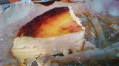 Casa de mis cuñados, cumpleaños, sacan a los postres una espectacular tarta de queso horneada, adoro las tartas de queso, pequeño incoveniente, tiene gluten, grrrrrrrrrrrr, en mi interior pienso, e…