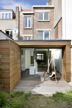 In beeld: Een tuin in huis - Ik ga bouwen & renoveren Landscape Design, Garden Design, Diy Kids Furniture, Rear Extension, Timber Cladding, Architecture, Home Renovation, Backyard Landscaping, Tiny House