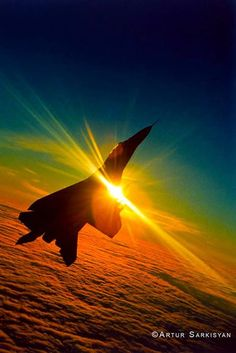 beauty vertical climb during sunset. Jet Fighter Pilot, Air Fighter, Fighter Jets, Us Military Aircraft, Military Jets, Airplane Fighter, Fighter Aircraft, Tomcat F14, Jolie Photo