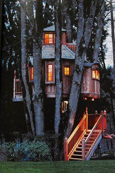 The B'ville Treehouse (Portland/ Oregon)