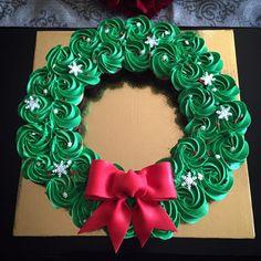 Mini cupcake christmas pull apart wreath cake - Yelp