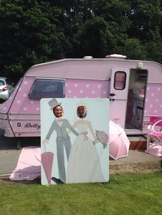 The bride and Groom enjoying dollydaydreams party caravan as a photo booth Pink Parties, Little Houses, Photo Booth, Groom, Bride, Party, Vintage, Business, Camper Van