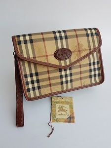 db3698c76ddf BURBERRY Bag. Burberrys Beige Check Tartan Clutch Bag . British designer  purse.