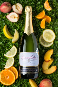 #LeopardsLeap #Leap #Culinaria Collection #MethodCapClassique #citrus #peaches #wine #winestyling #winephotography Peaches, Wines, Favorite Recipes, Collection, Food, Peach, Eten, Meals, Diet