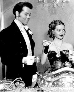 Henry Fonda and Bette Davis in Jezebel - A haughty headstrong Southern Belle in Antebellum Louisiana loses her fiance due to her stubborn vanity and pride and vows to get him back. Old Hollywood Movies, Hollywood Actor, Golden Age Of Hollywood, Vintage Hollywood, Hollywood Stars, Hollywood Actresses, Classic Hollywood, Actors & Actresses, Hollywood Images
