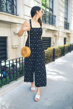 Fashion Tips For Teenagers Different Necklines For Jumpsuits - Choose Your Style Fashion.Fashion Tips For Teenagers Different Necklines For Jumpsuits - Choose Your Style Fashion Rompers Women, Jumpsuits For Women, Simple Outfits, Casual Outfits, Modern Outfits, Casual Wear, Summer Fashion Outfits, Fashion Dresses, Casual Indian Fashion