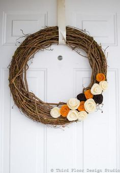 DIY Fall Decor: DIY Fall Wreath Rosettes- here's the direct link. http://thirdfloordesignstudio.blogspot.com/2011/10/tuesday-tip-fall-wreath-rosettes.html